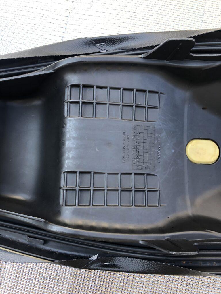 PCX JF56 シート交換 シートカバー交換